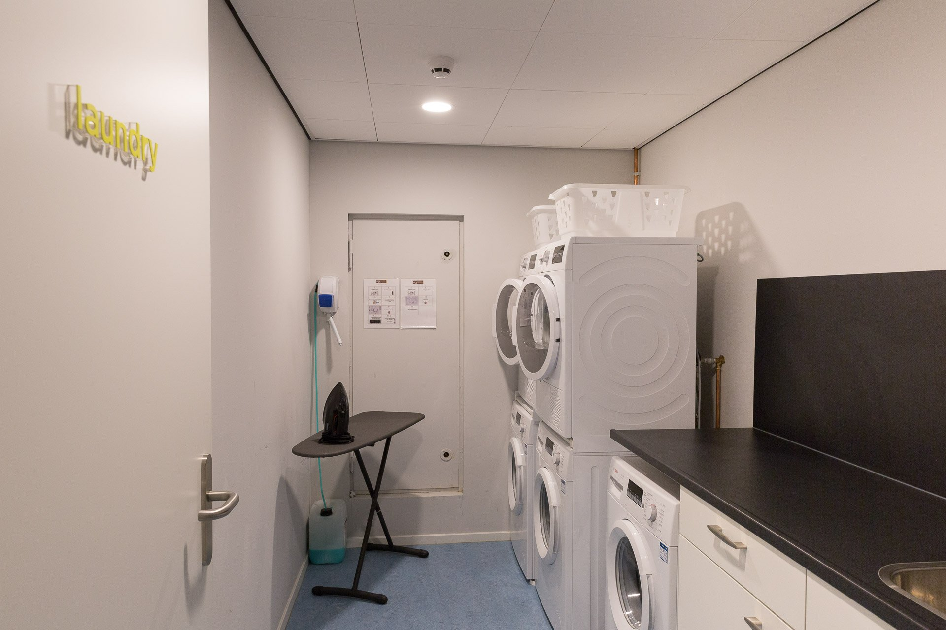 Laundry room at PREMIER SUITES PLUS Rotterdam